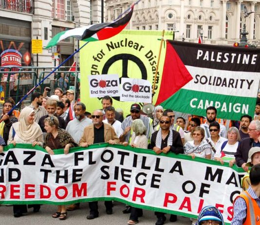 Massive demonstration in London condemning Israel for the 10 Turkish deaths that followed Israeli troops boarding the Mavi Marmara