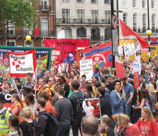 Mass demonstration in London against school funding cuts