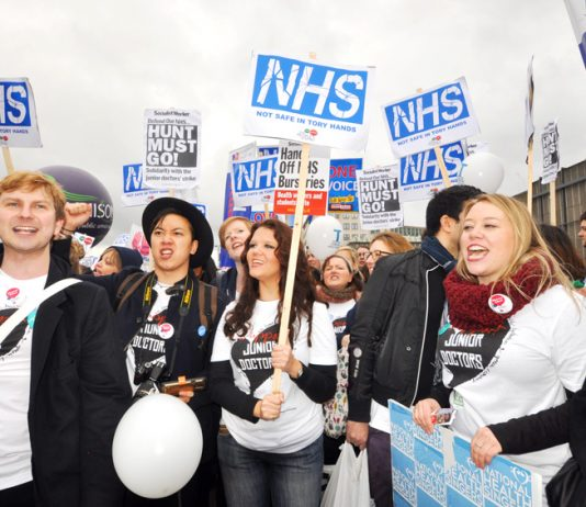 Nurses and junior doctors march against Hunt's plans to smash the NHS