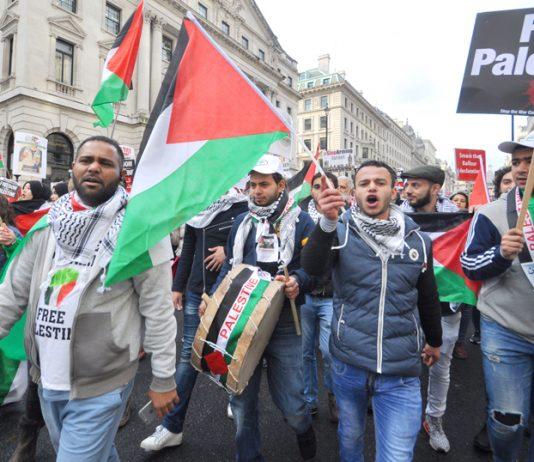 A section of the 20,000-strong march in London on Saturday demanding that the UK apologise for the Balfour Declaration and recognise the state of Palestine