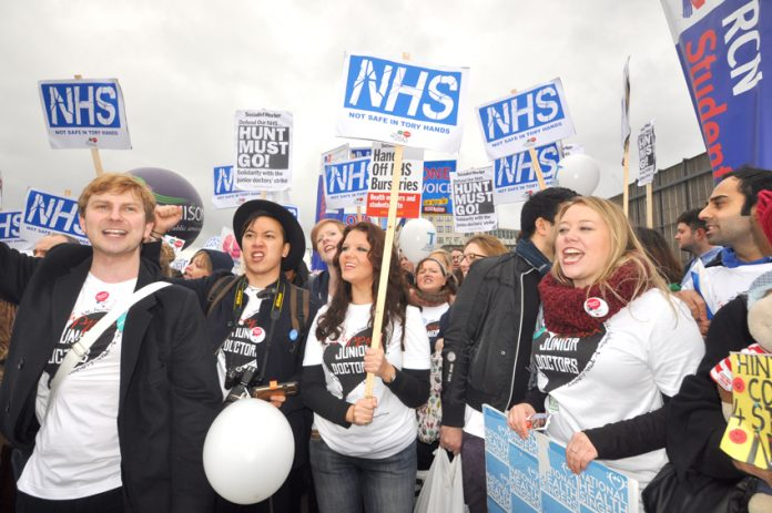 Junior doctors join with student nurses to fight Health secretary Hunt's attacks on the NHS