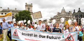 Teachers march to Parliament demanding an increase to education funding