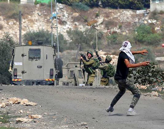 Israeli state forces clash with Palestinian youth in the West Bank