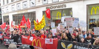 TGI Fridays, McDonald's, Wetherspoons and Deliveroo 'Gig Ecomomy' workers demonstrate against low pay