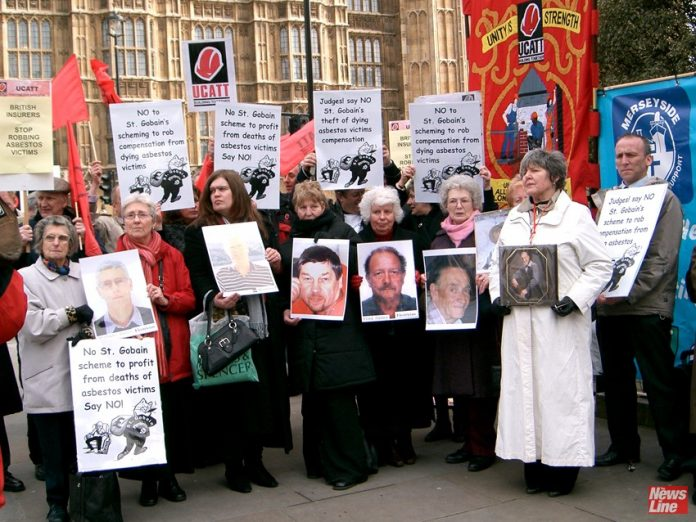 Lobby by building workers and their relatives hig hlighting deaths of those who have died from abestosis and mesothelioma