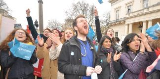 Junior doctors on strike against the 'unfair, unsafe' imposed contract in 2016