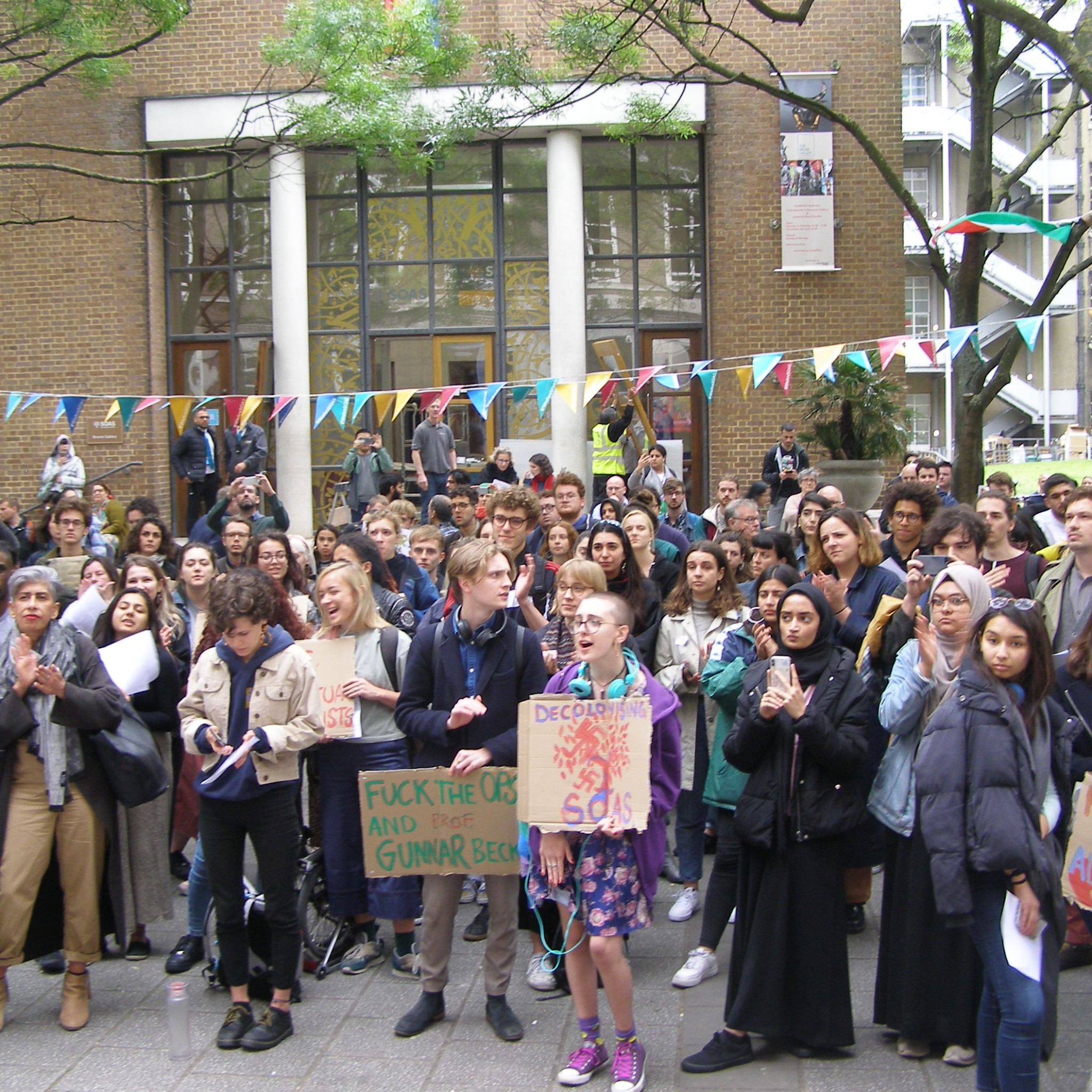 Over 300 students and lecturers rallied outside SOAS in London yesterday afternoon demanding that law lecturer Gunnar Beck is sacked