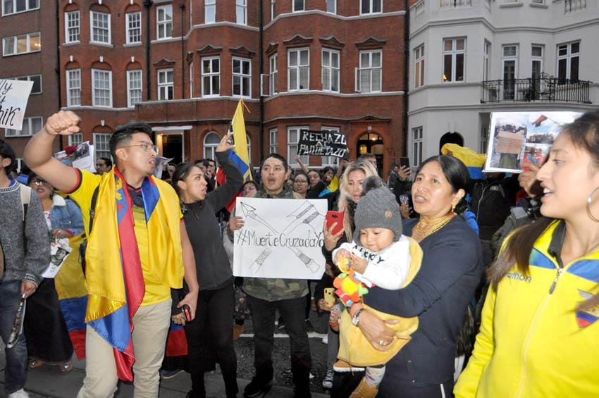 Ecuadorians in London, England on Friday demanding the lifting of emergency powers in Ecuador after the killing of protesters by government forces – the Ecuadorian people have won a resounding victory