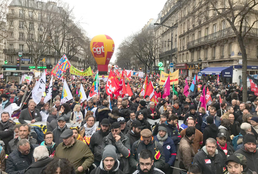 French workers demonstrate